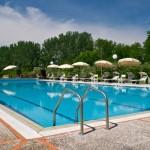 Villa Lazzareschi - La Piscina