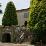 Scala monumentale lato giardino a Villa Lazzareschi