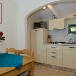Tinello cucina Villa Lazzareschi-Olivo4-